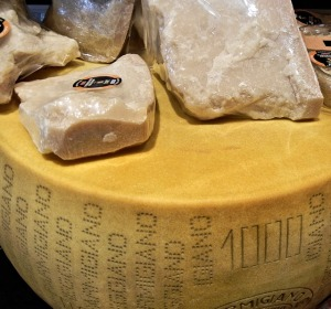 cheese-723200_640