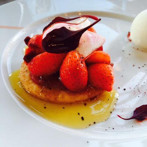 tartelette aux fraises de Ducasse.jpg2