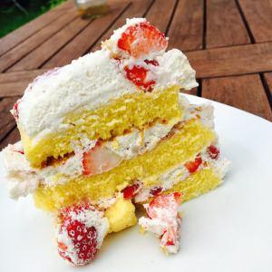 gâteau aérien aux fraises