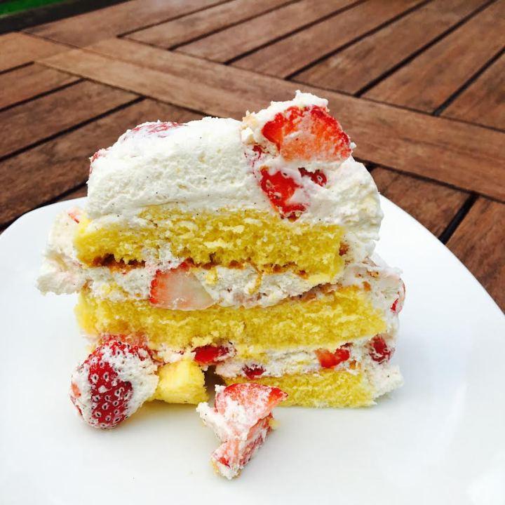 gâteau aérien aux fraises.jpg2