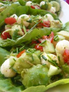 salade d'été sur feuille