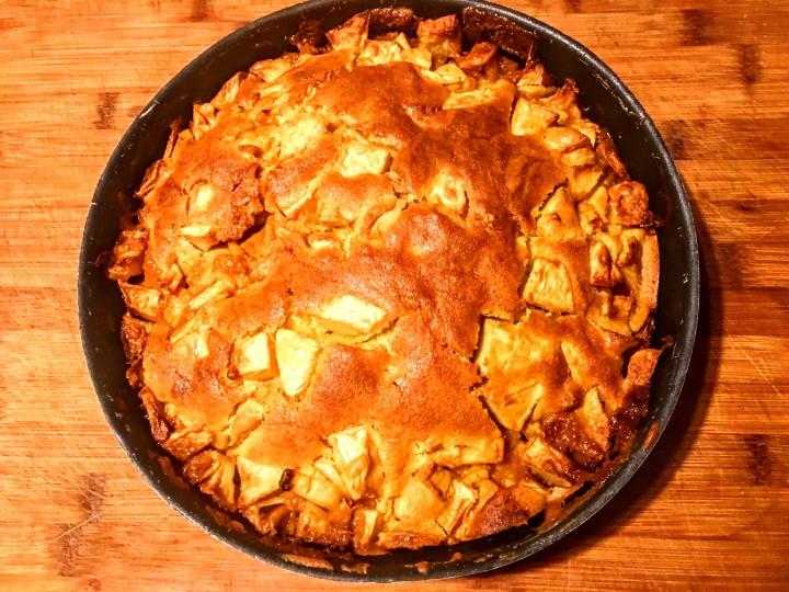 gâteau aux pommes et à la confiture de lait - thecrazyoven