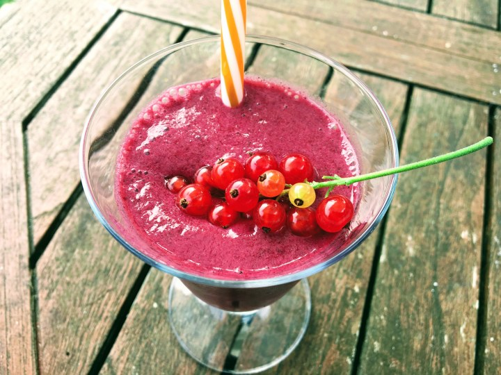 Smoothie fruits rouges et banane